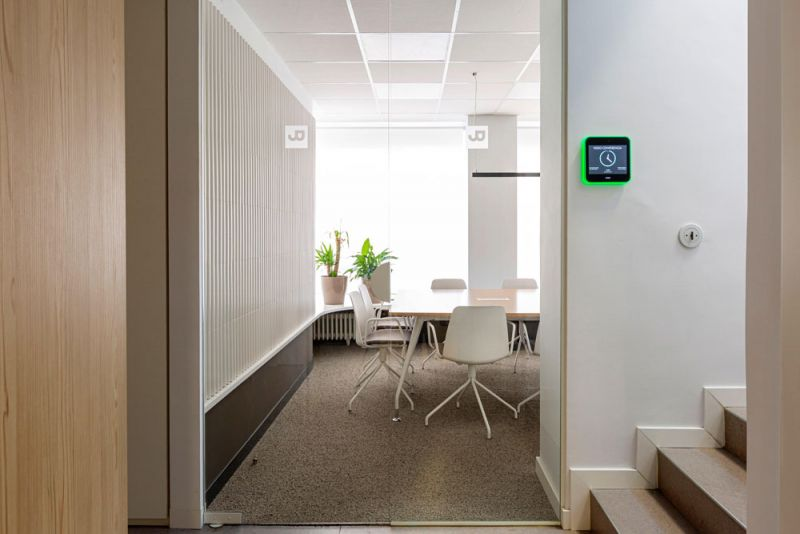 arquitectura nuevas oficinas ubicca en madrid sala reuniones
