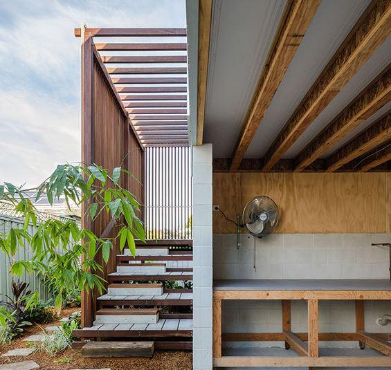 arquitectura_y_empresa_Vikky´s place_bajos