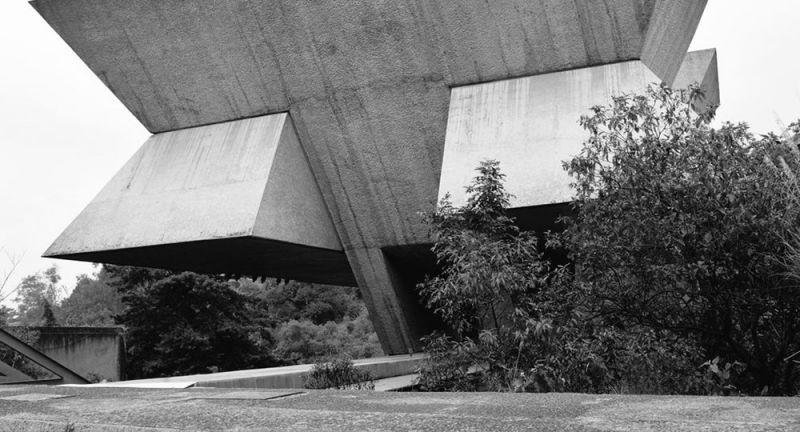 arquitectura_y_empresa_vista_desde_calle