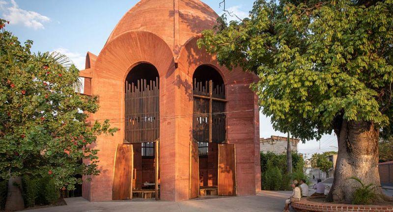 arquitectura_y_empresa_vista_plaza_acceso