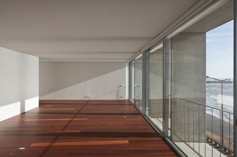 Arquitectura y empresa_ Vivienda Senhora da Luz_soto de Moura_salon comedor