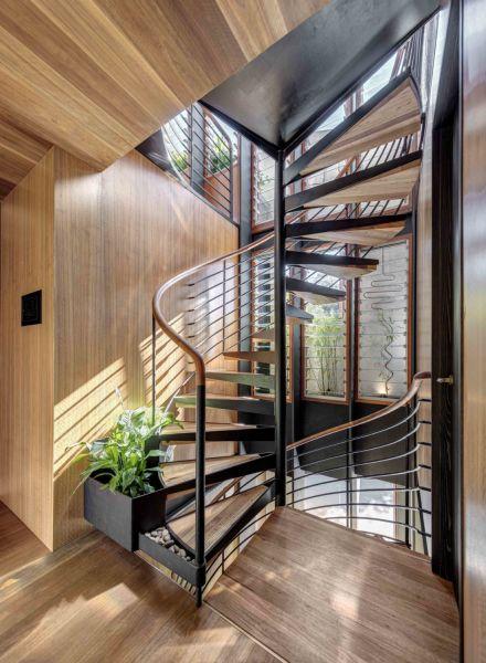 arquitectura y empresa_WELCOME-TO-THE-JUNGLE-HOUSE_escalera