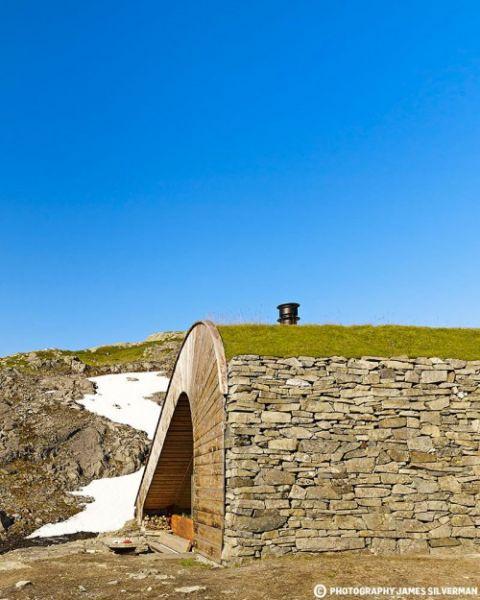 arquitectura y paisaje_refugio Snoetta_materialidad