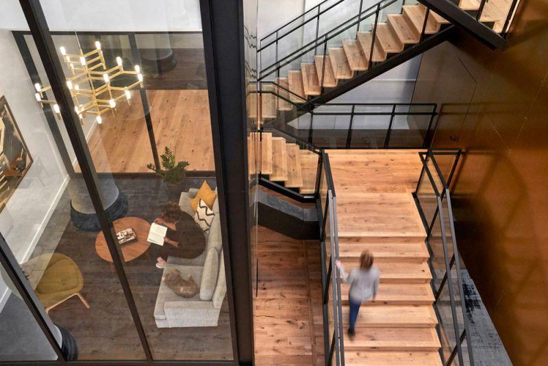 arquitectura ZFG Architects Oficinas Expensify fotografia interior de Garrett Rowland escaleras