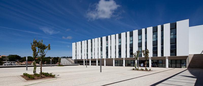 arquitectura y empresa, arquitectura, arquitecto, Roseta Vaz Monteiro Arquitectos, Portugal, Estoril, Cascáis, iglesia, centro social