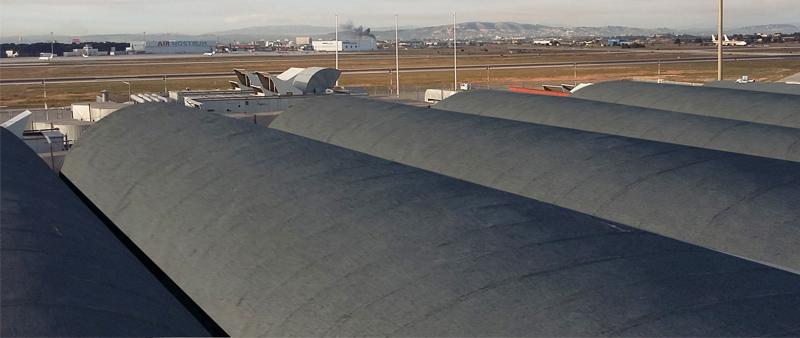 Al ir fijado mecánicamente se puede colocar directamente sobre la cubierta existente sin importar el acabado de la misma creando una segunda piel formada por el aislamiento y la impermeabilización.