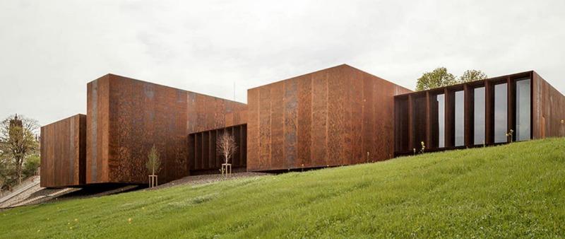 el ganador del premio pritzker ha sido el estudio de espaol rcr arquitectes un despacho cataln de fundacin local y grandes miras