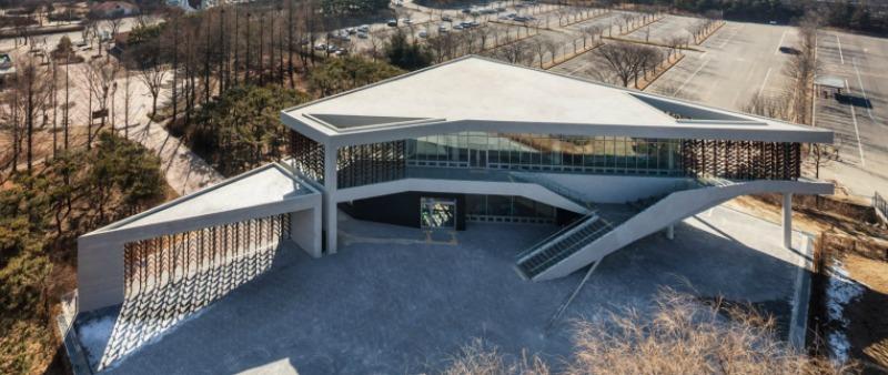 arquitectura, arquitecto, diseño, design, Soft Architecture Lab, Corea del Sur, museo, madera, Shin Kyungsub, Mokyeonri, Incheon, forestal, cinético, paneles madera móviles