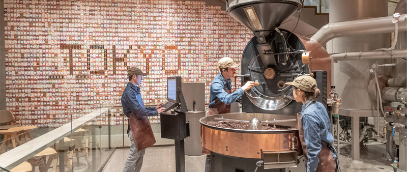 arquitectura y empresa, arquitecto, diseño, design, Kengo Kuma, Starbucks, Kentaro Matsumoto,  Matthew Glac, Tokio, Tokyo, Japón, Starbucks Reserve Roastery, Japan