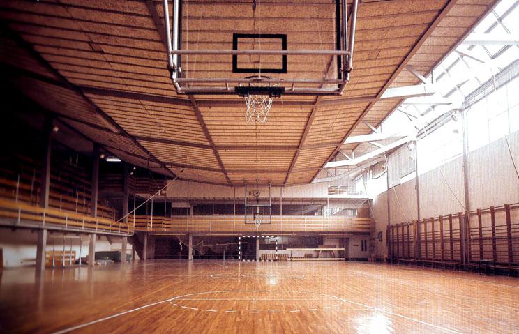 Gimnasio del colegio maravillas de madrid arquitectura for Gimnasio piscina madrid