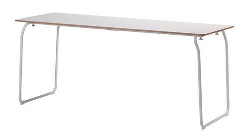 Los designers detr s del xito ikea arquitectura - Mesa plegable con sillas dentro ikea ...