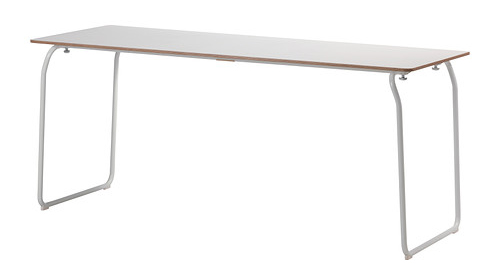 Los designers detr s del xito ikea arquitectura - Ikea mesa blanca ...