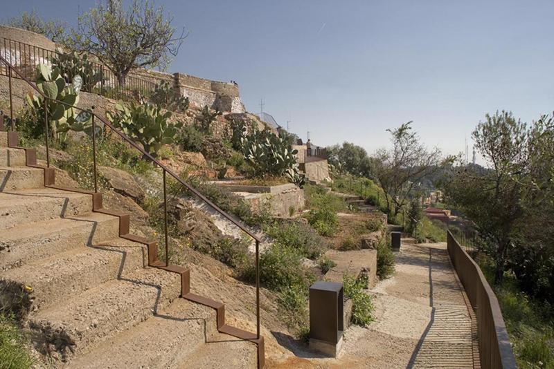 jansana-de la villa-de paouww-aaup-arquitectura y empresa