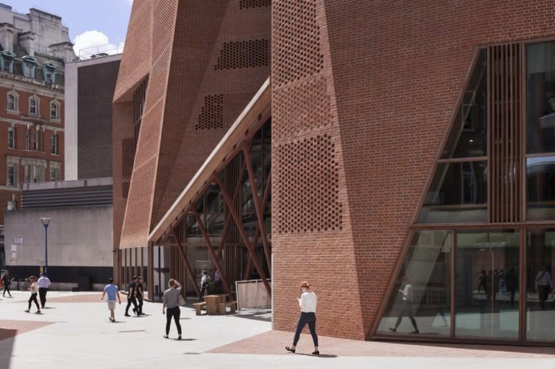 London School of Economics. Fotografía: Alex Bland