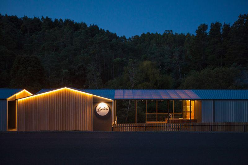 arquitectura_y_empresa_Dales Of Derby_imagen noche