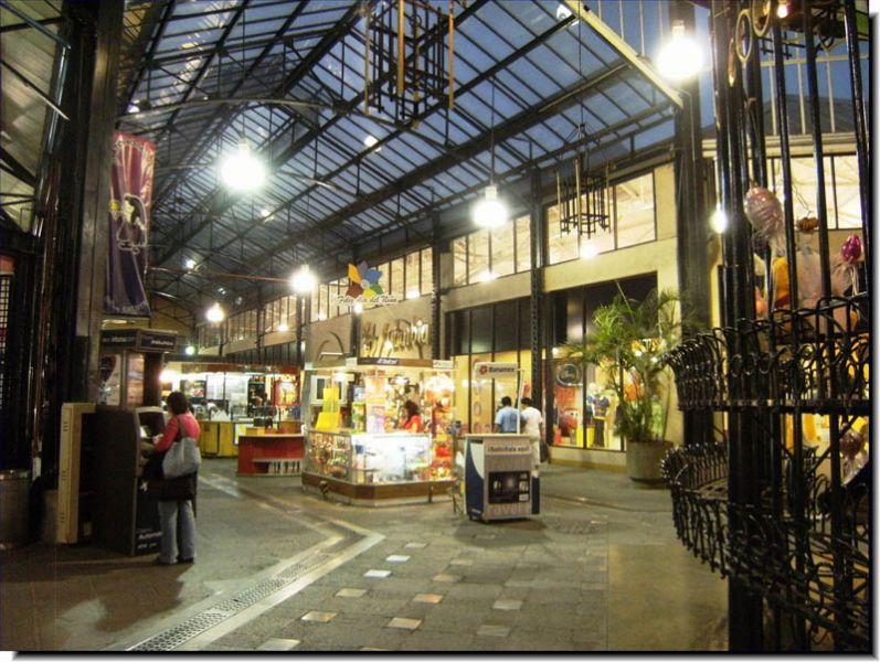 rquitectura_Antiguo_Mercado_de_la_Victoria,_Puebla,_México _imagen interior tras la rehabilitación