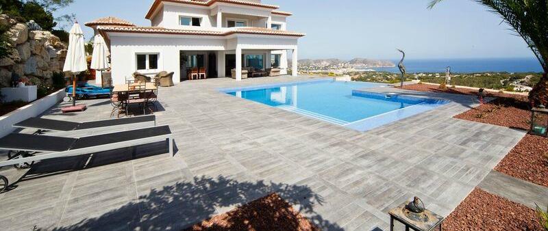 arquitectura, arquitecto, diseño, design, revestimiento, cerámica, cemento, pavimento, Keraben, España, Made in Spain, Alicante, Moraira, piscina