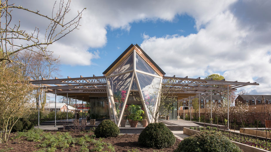 Arquitectura_centro_maggie_manchester_norman_foster1_0