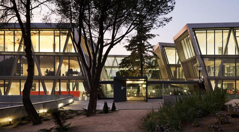 Universidad a distancia de madrid del arquitecto jose for Arquitecto universidad
