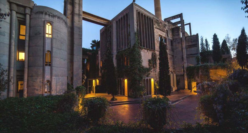 """""""La Fábrica"""". Arquitectura industrial de antes de la Primera Guerra Mundial adaptada por Ricardo Bofill 1973-75"""