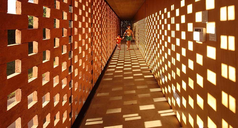 Pabellón experimental de ladrillo en Buenos Aires, del Estudio Botteri-Connell: nuevos significados y posibilidades para un elemento tradicional