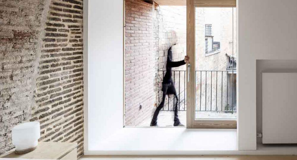 Rehabilitación de una vivienda entre medianeras, por DataAE arquitectos