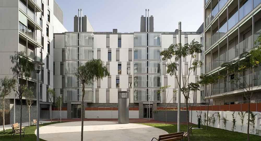 Viviendas en Barberà del Vallès, por Espinet-Ubach Arquitectes