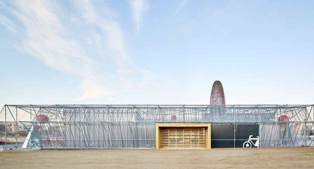 Punto de Información Ciudadana en Glòries, por Peris+Toral Arquitectos