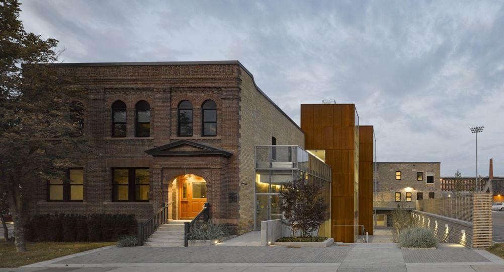 60 Atlantic Avenue, Toronto. Canadá.  La rehabilitación arquitectónica  de un edificio industrial  en espacio para la actividad social.