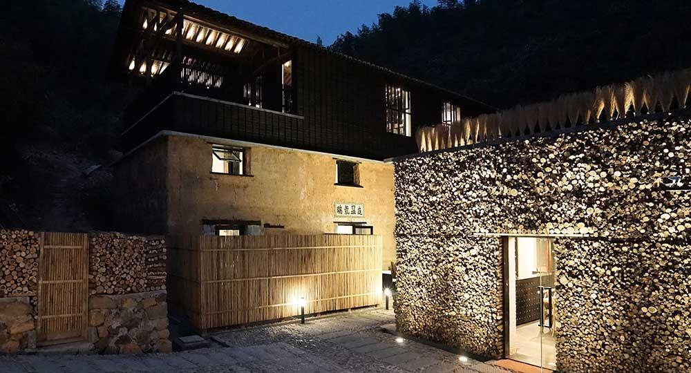 Modernidad y tradición en la arquitectura rural del Ruralisation-Daijiashan Local Art Hotel. AZL Architects