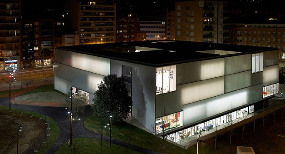 Biblioteca Con Alma Verde De Corea Moran Arquitectura