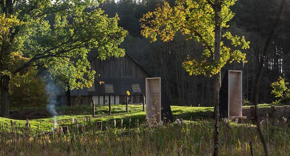 Arquitectura y paisaje: jardín de meditación en Lituania.