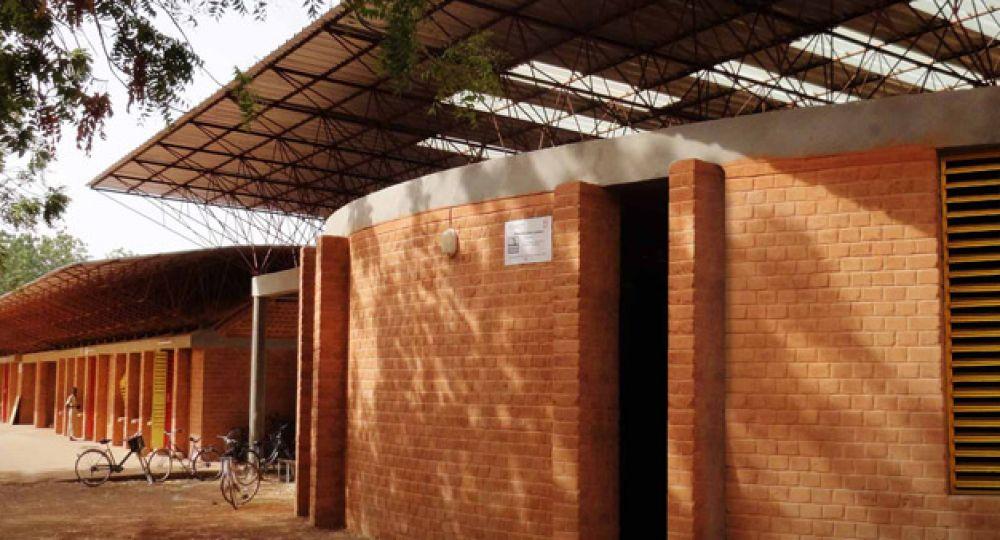 Construcción sostenible: Bloques de tierra comprimida BTC