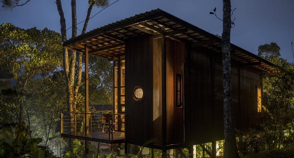 Cardamom Club, un resort entre los árboles. La arquitectura hotelera de Kumar La Noce en India.
