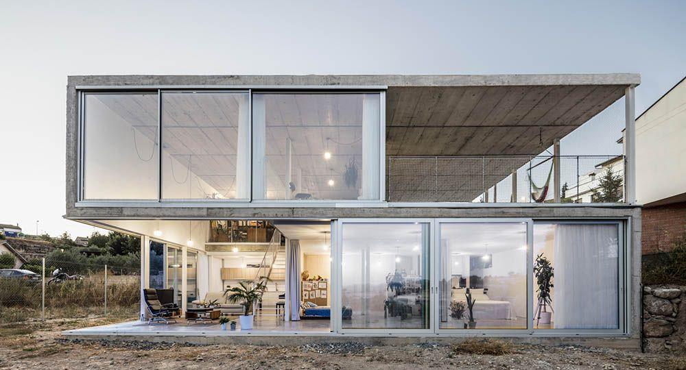 Casa en calders la arquitectura minimalista de narch for Casa minimalista arquitectura