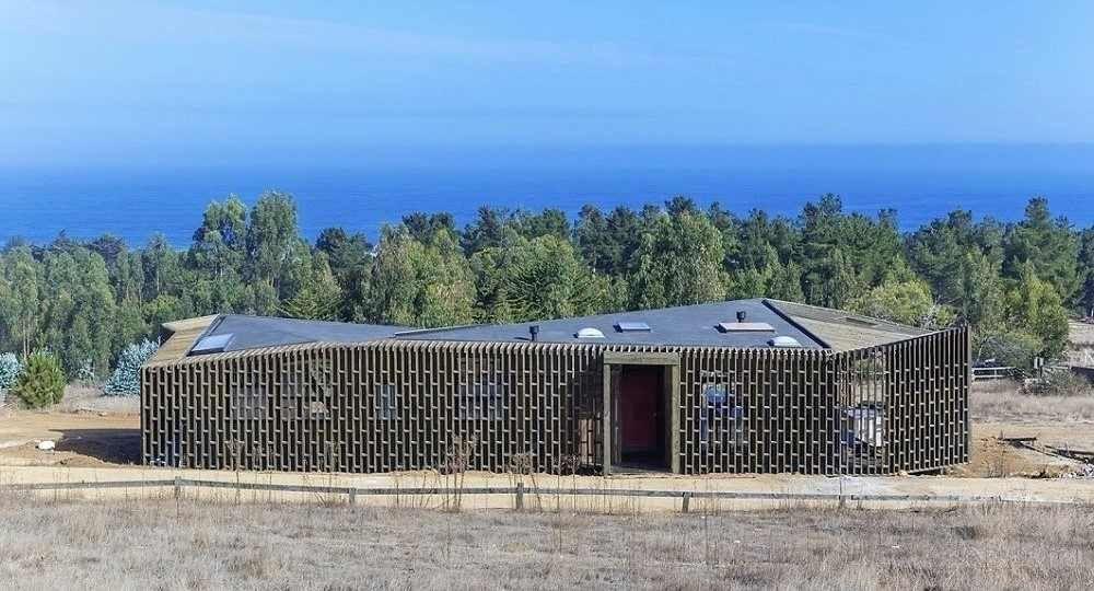 Casa Casi Cubo, de LAND Arquitectos