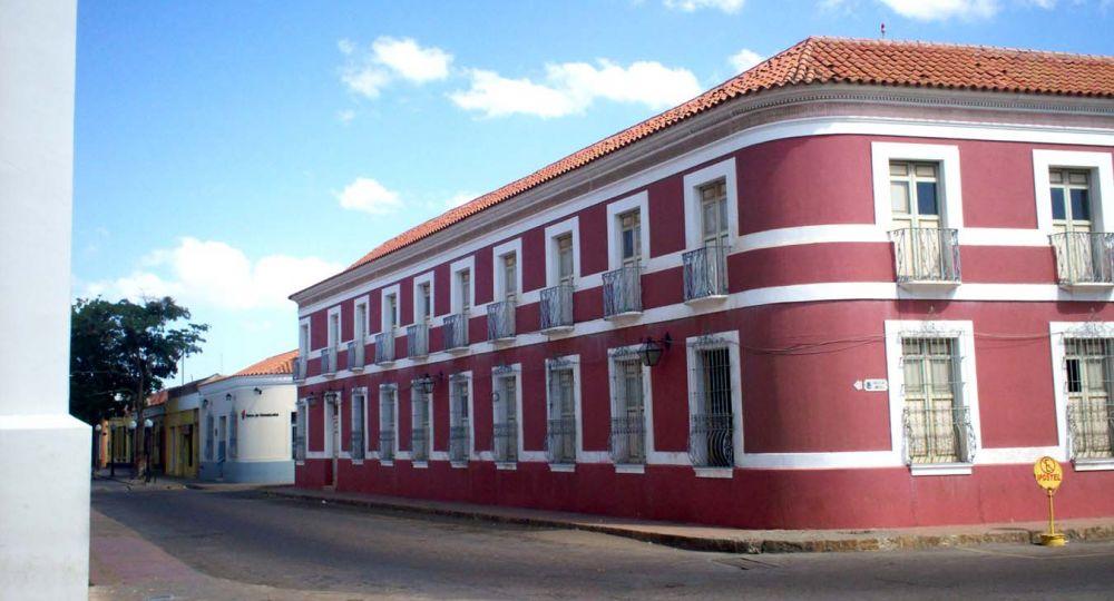 Arquitectura colonial. Casa de las 100 ventanas. Coro, Venezuela
