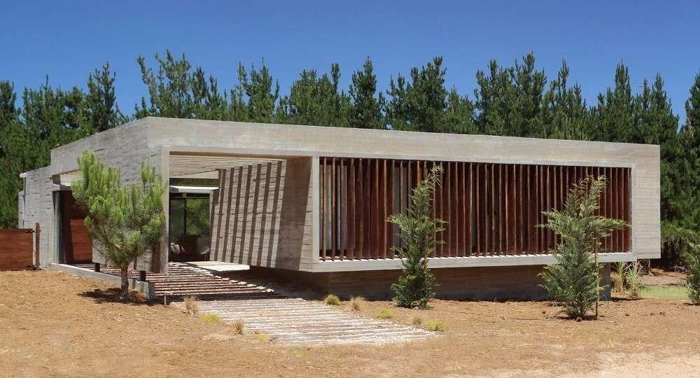 Austeridad de hormigón. Casa S&S, de Besonías Almeida Arquitectos