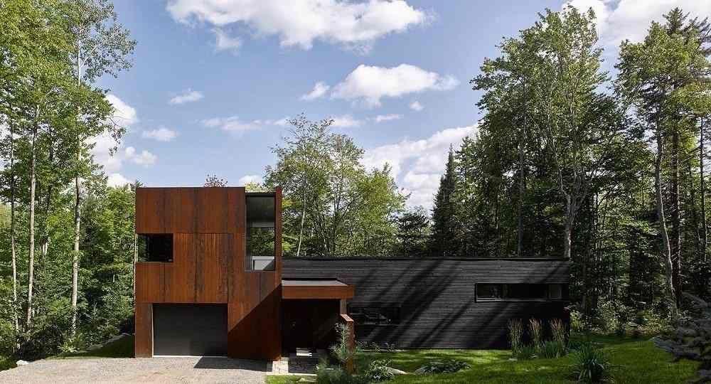 Casa en el lago Charlebois, de Paul Bernier Architecte