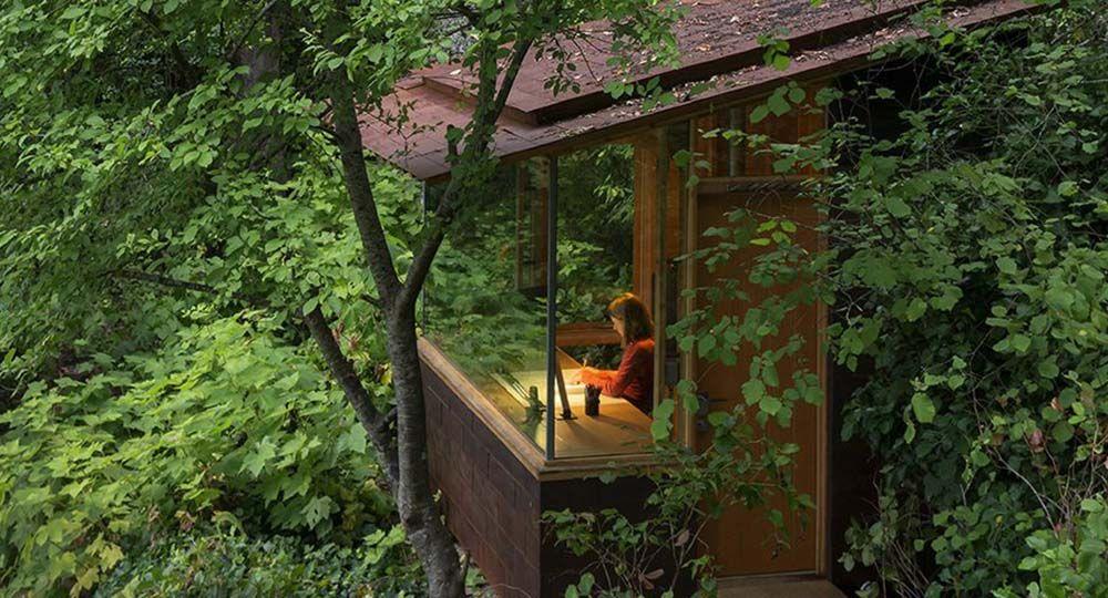 Una cabaña/estudio en plena naturaleza. Estudio Bunkhouse, Cutler Anderson Architects.