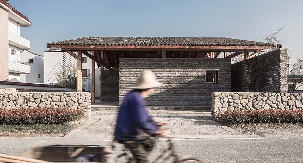 Dongziguan Villagers' Activity Center, Fuyang, China. Arquitectura tradicional y modernidad.