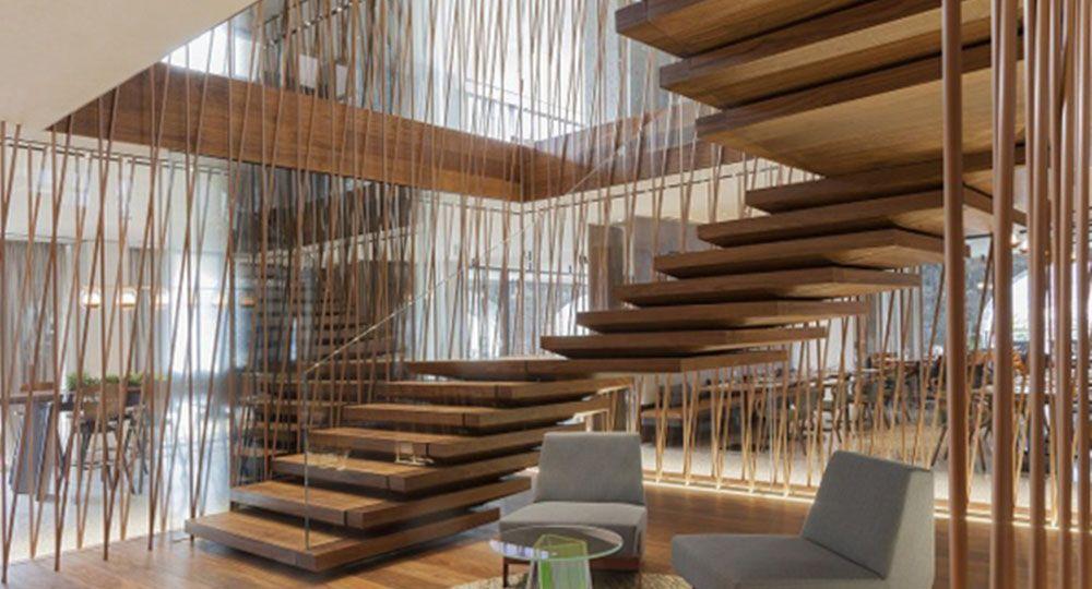 escalera hotel lago di como il sereno imagen