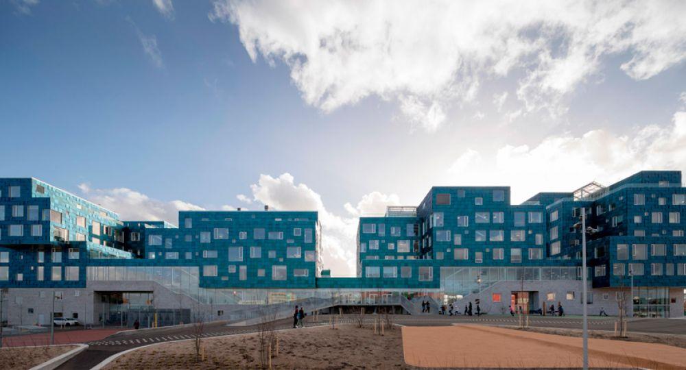 La Escuela Internacional de Copenhague de C.F. Møller Architects.
