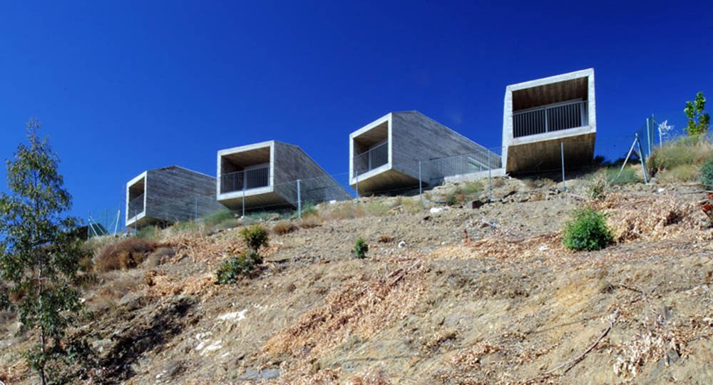 Experiencia irrepetible en un bloque de hormigón, estudio de arquitectura Hago