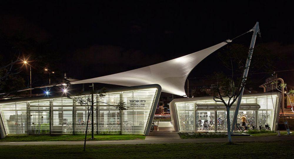 Etgarim Bicycle Center: arquitectura dinámica, luminosa y accesible