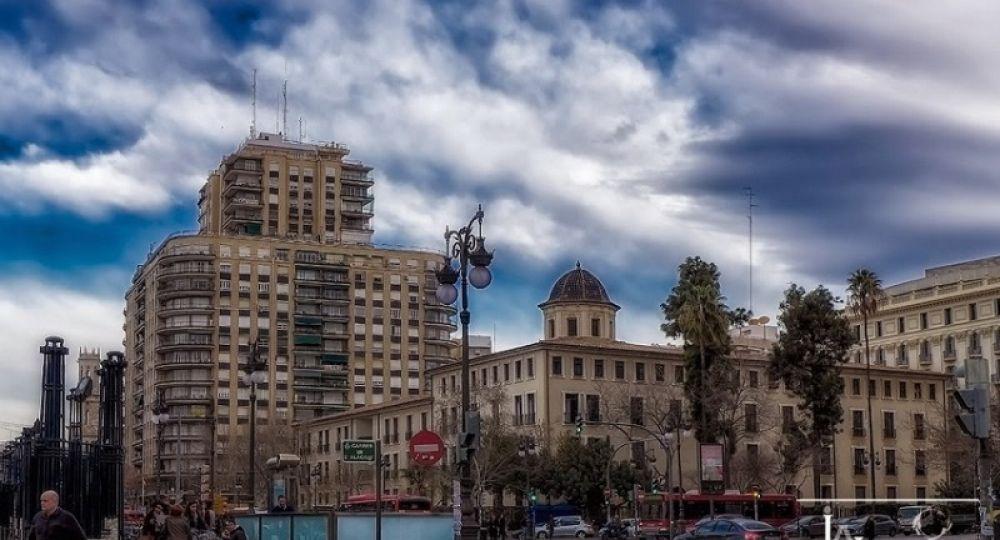 La finca de hierro (Edificio Garcerán): El primer edificio en  Valencia en usar metal en la estructura, se rehabilita.