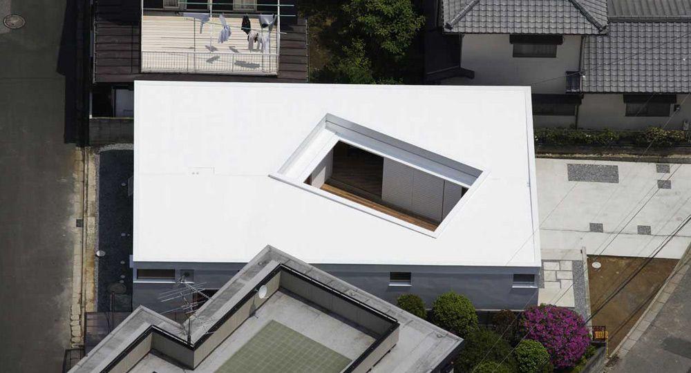 F-White, vivienda patio de Takuro Yamamoto Architects