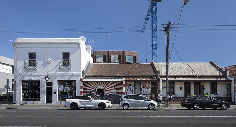 Hertford Street Townhouses, 5 viviendas unifamiliares en bloque compacto, por DesignOffice.