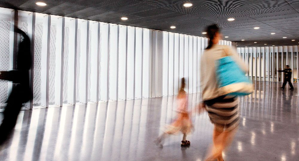 I.LIGHT: arquitectura transparente con paneles de cemento