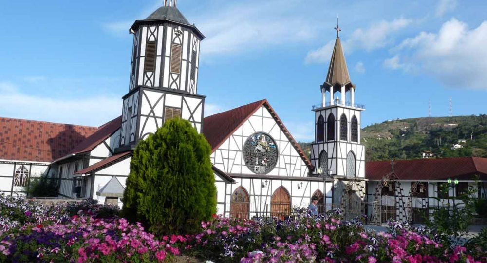 Iglesia San Martín de Tours,La Colonia Tovar, de Alemania al Caribe